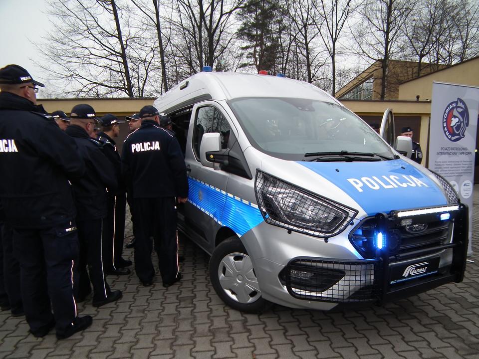 Uniwersytet Ekonomiczny współtworzący prototyp pojazdu dla Policji?! I to jaki!
